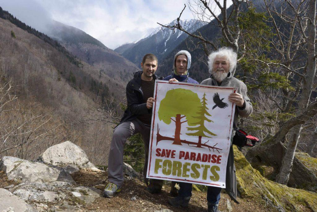 German Professor Dr. Hans Knapp and Slovak reseracher Martin Mikolas with Gabriel Paun /(Agent Green) in wild Boia Mica valley.